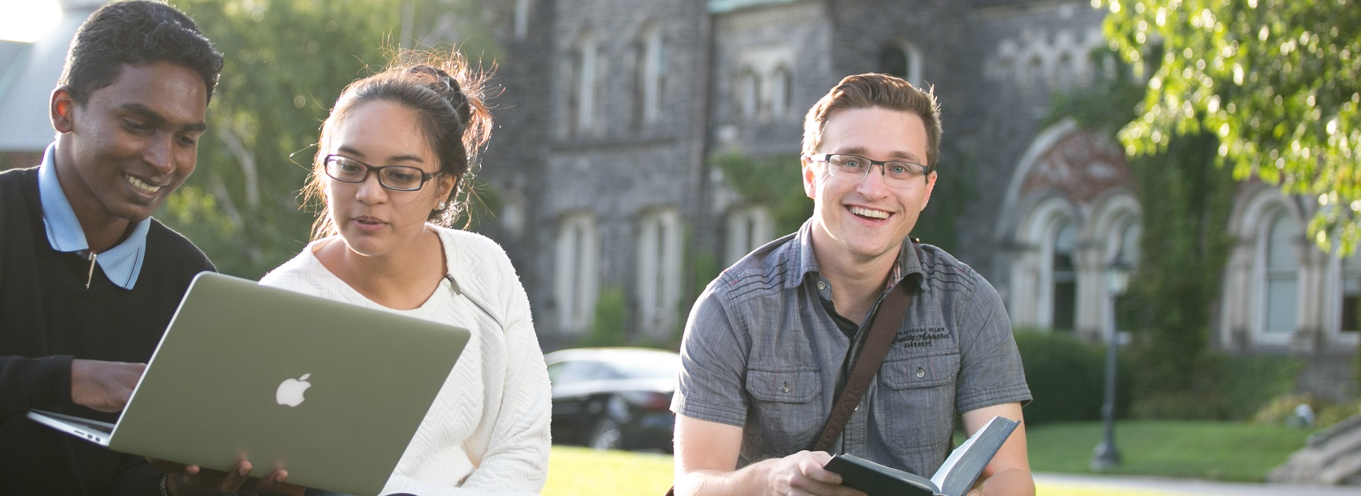 Students studying near Wycliffe College at University of Toronto