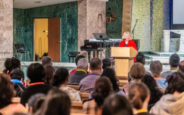Keynote session with Dr. Holly Catterton Allen at the Toronto Children's Ministry Conference 2019