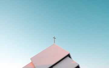 Church top by Akira Hojo Unsplash
