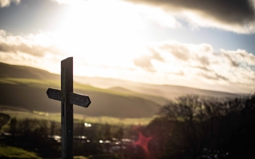 Photo of a cross by Stage 7 Photography on Unsplash